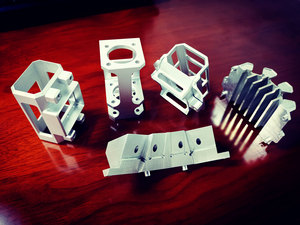 Precision machining of aluminum alloy cavity